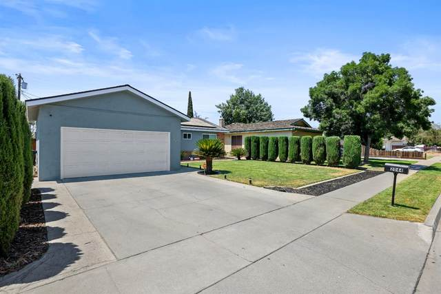 2044 Stratford Way, Hanford, CA 93230 (#563727) :: Raymer Realty Group