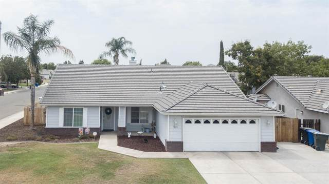 1231 N Greenfield Street, Porterville, CA 93257 (#563728) :: Raymer Realty Group