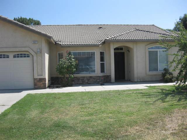 2621 Northhill St, Selma, CA 93662 (#563787) :: Raymer Realty Group