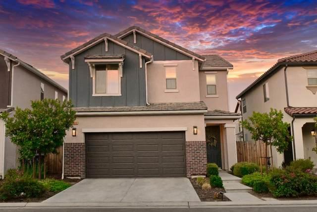 2580 N Mcarthur Avenue, Fresno, CA 93727 (#563808) :: Raymer Realty Group