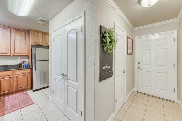 7178 N Fruit Avenue #121, Fresno, CA 93711 (#563931) :: Raymer Realty Group