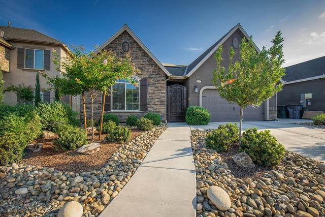 5462 W Floradora Avenue, Fresno, CA 93722 (#563944) :: Raymer Realty Group