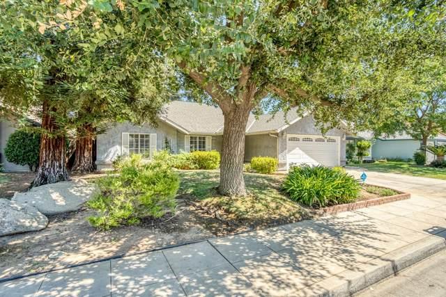 8264 N Yorktown Drive, Fresno, CA 93720 (#564108) :: Raymer Realty Group