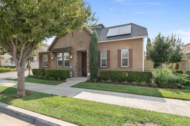4056 Trenton Avenue, Clovis, CA 93619 (#566820) :: Raymer Realty Group
