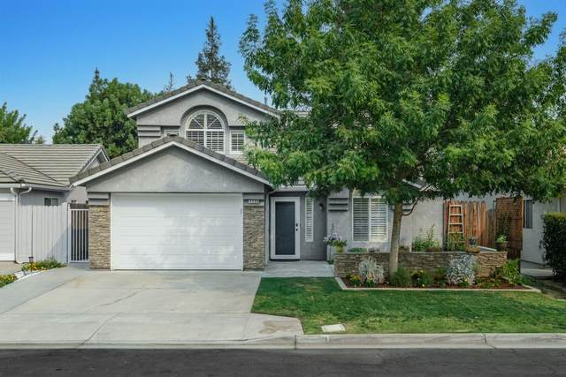 9560 N Barton Avenue, Fresno, CA 93720 (#566895) :: Raymer Realty Group