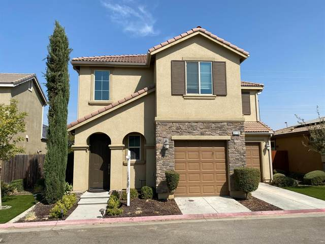 2114 E Makenna Drive, Fresno, CA 93730 (#566948) :: Raymer Realty Group