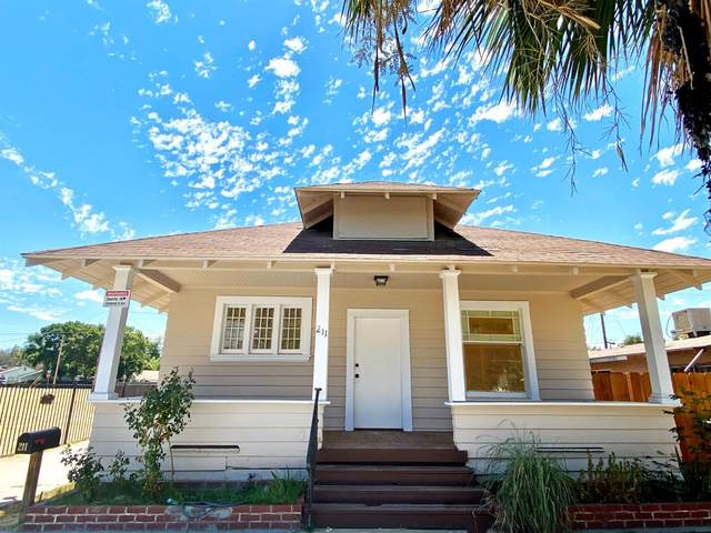 211 NW 2nd Avenue, Visalia, CA 93291 (#566950) :: Your Fresno Realty   RE/MAX Gold