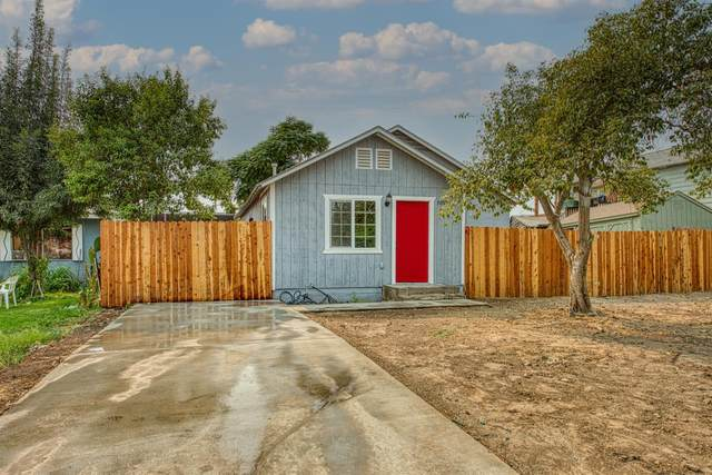 705 S East Avenue, Reedley, CA 93654 (#567006) :: Raymer Realty Group