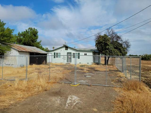 1134 Church Avenue, Sanger, CA 93657 (#567531) :: Raymer Realty Group