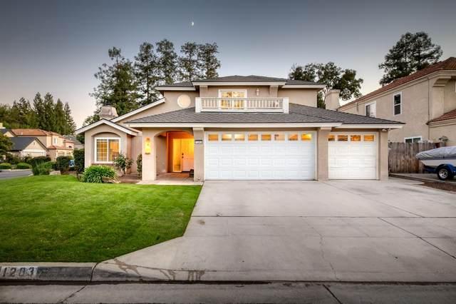 1203 E Salem Avenue, Fresno, CA 93720 (#567907) :: CENTURY 21 Jordan-Link & Co.