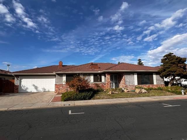 896 E El Paso Avenue, Fresno, CA 93720 (#568344) :: Raymer Realty Group