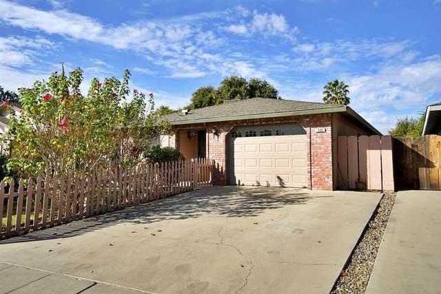 720 Oakridge Drive, Madera, CA 93637 (#568402) :: Raymer Realty Group