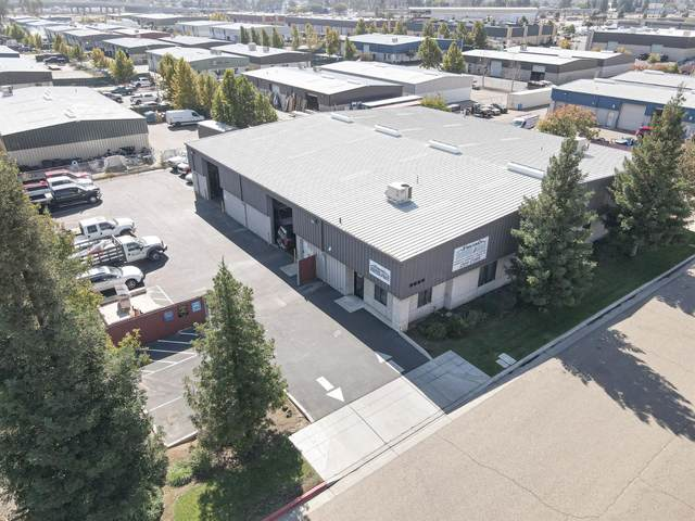 3685 W Gettysburg Avenue, Fresno, CA 93722 (#568455) :: Raymer Realty Group