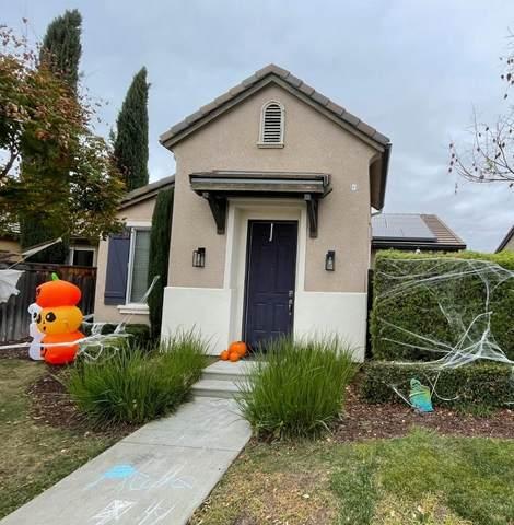 3843 Richmond Avenue, Clovis, CA 93619 (#568466) :: Raymer Realty Group