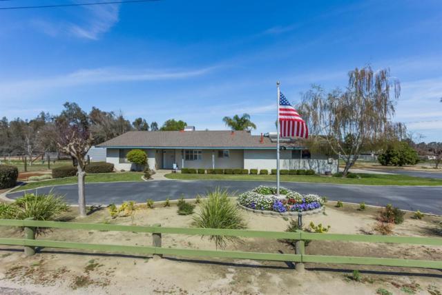 2926 E Clayton Avenue, Fresno, CA 93725 (#498785) :: FresYes Realty