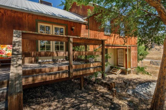 15275 Stony Oaks Lane, Prather, CA 93651 (#505406) :: Soledad Hernandez Group