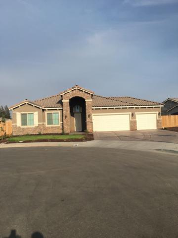 895 South Susan Avenue, Kerman, CA 93630 (#507749) :: Soledad Hernandez Group