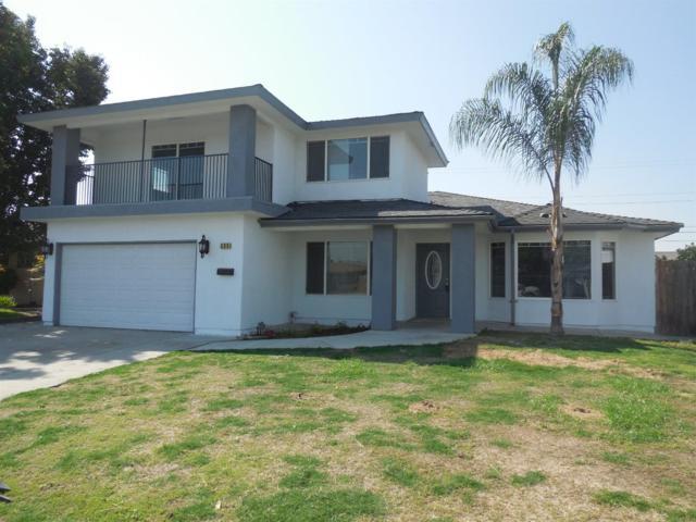 568 W San Jose Avenue, Clovis, CA 93612 (#508417) :: Soledad Hernandez Group