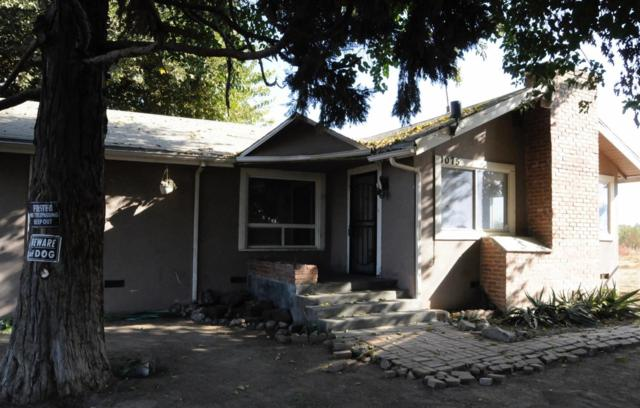 1075 S 5Th Avenue, Kingsburg, CA 93631 (#512248) :: FresYes Realty