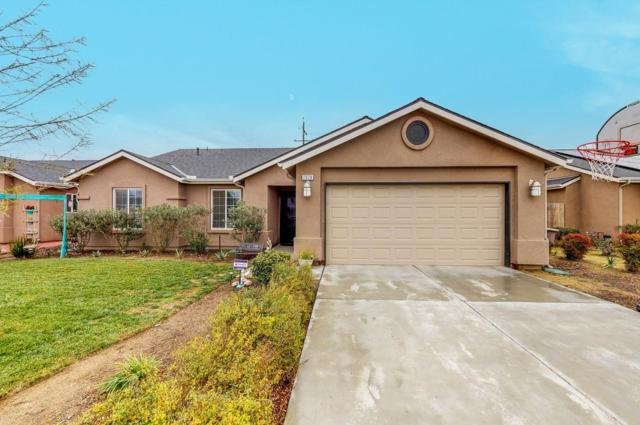 2028 Park Avenue, Sanger, CA 93657 (#516099) :: Raymer Realty Group