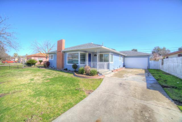 4280 N Bond Avenue, Fresno, CA 93726 (#517539) :: Soledad Hernandez Group