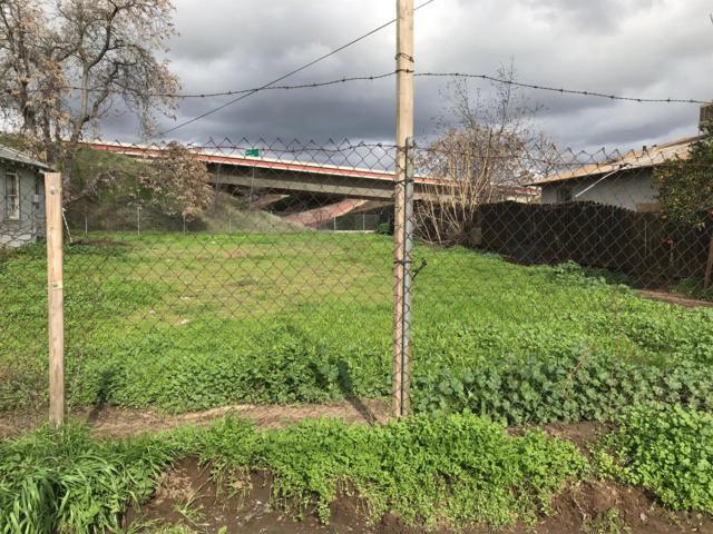 338 W Dunn, Fresno, CA 93706 (#517588) :: Soledad Hernandez Group