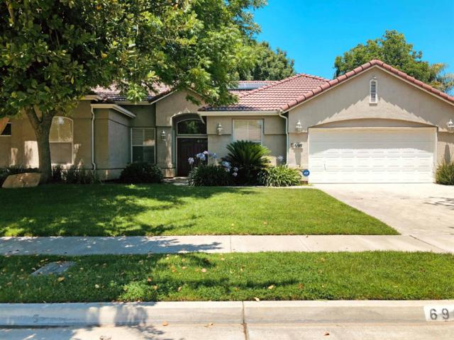 698 Avalon Drive, Lemoore, CA 93245 (#520705) :: Raymer Realty Group