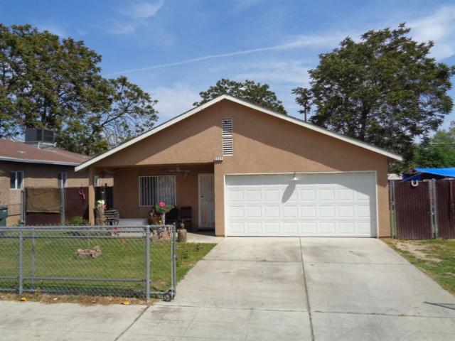 2247 S Nicholas Avenue, Fresno, CA 93706 (#521399) :: FresYes Realty