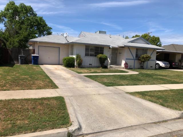 3871 N Hacienda Drive, Fresno, CA 93705 (#521516) :: FresYes Realty