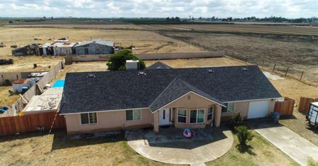 20310 S Garfield, Riverdale, CA 93656 (#521724) :: Raymer Realty Group