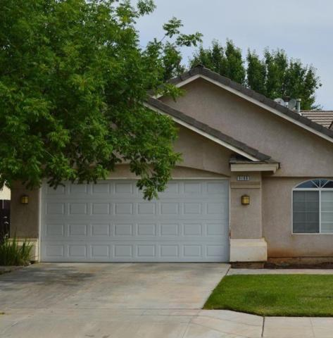 5198 W Cromwell Avenue, Fresno, CA 93722 (#523633) :: Raymer Realty Group
