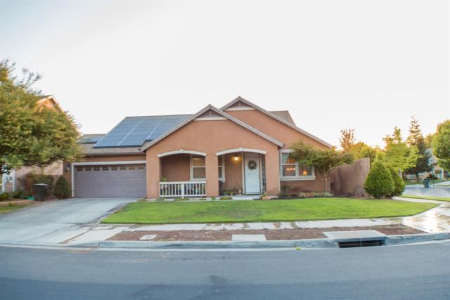 2205 N Thompson Avenue, Reedley, CA 93654 (#527665) :: Raymer Realty Group