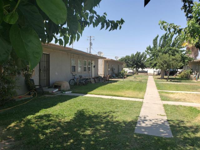 3117 S Sanger Avenue, Sanger, CA 93657 (#528550) :: Raymer Realty Group