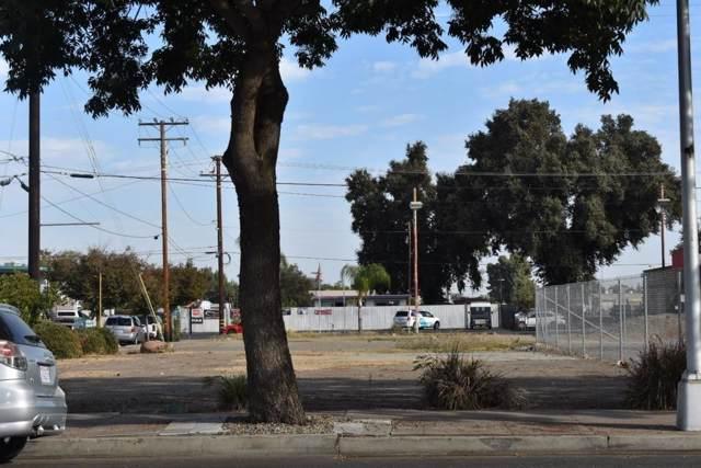 701 E Center Avenue, Visalia, CA 93292 (#532153) :: Twiss Realty