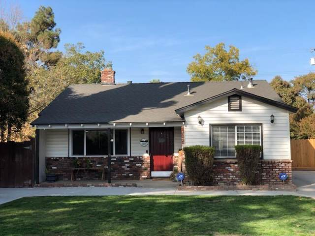 1109 E Sussex Way, Fresno, CA 93704 (#533609) :: FresYes Realty