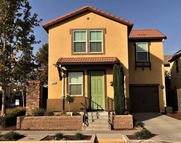1508 N Dara Avenue, Clovis, CA 93619 (#535642) :: FresYes Realty