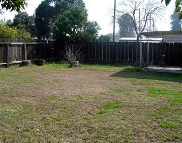 1624 N Teilman Avenue, Fresno, CA 93705 (#537215) :: Raymer Realty Group