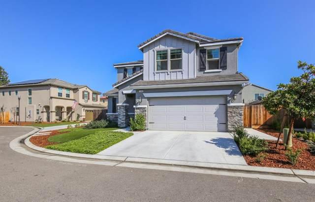 1333 Johnson Lane, Clovis, CA 93619 (#537878) :: Realty Concepts