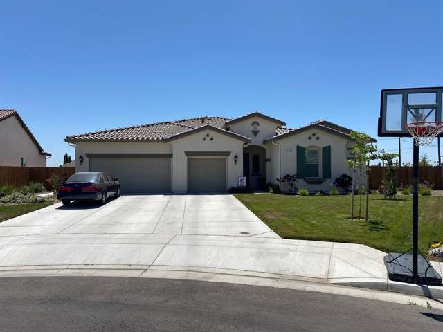 723 E Aretha Avenue, Fowler, CA 93625 (#541526) :: Raymer Realty Group
