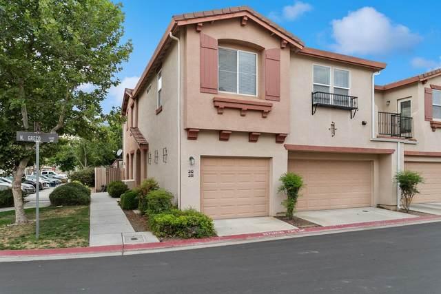 344 N Greco Lane, Clovis, CA 93611 (#542412) :: FresYes Realty