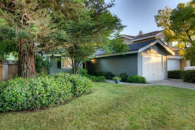 639 E Rock Creek Lane, Fresno, CA 93730 (#542428) :: FresYes Realty