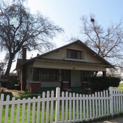 3020 Ventura Street, Fresno, CA 93721 (#543733) :: FresYes Realty