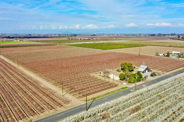7084 Barstow Avenue, Kingsburg, CA 93631 (#547448) :: Raymer Realty Group