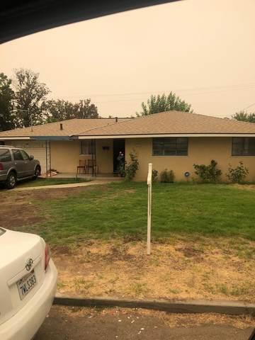 4768 E Simpson Avenue, Fresno, CA 93703 (#547905) :: FresYes Realty