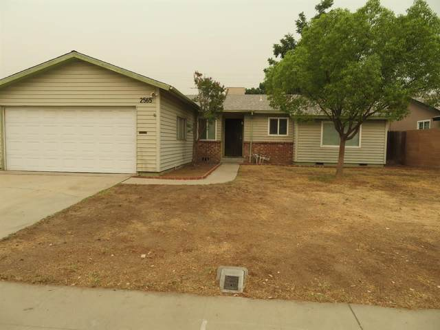 2565 Dewitt Avenue, Clovis, CA 93612 (#548024) :: FresYes Realty