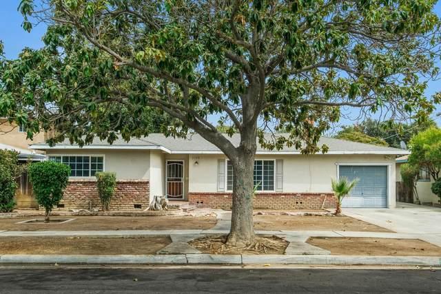 3748 N Effie Street, Fresno, CA 93726 (#548357) :: FresYes Realty