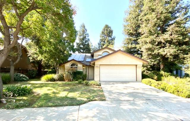 9371 N Rowell Avenue, Fresno, CA 93720 (#549750) :: Raymer Realty Group