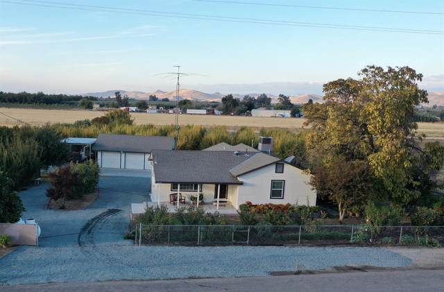 24006 Johns Drive, Porterville, CA 93257 (#551233) :: Your Fresno Realty   RE/MAX Gold