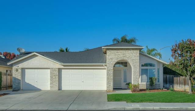5576 W Lamona Avenue, Fresno, CA 93722 (#551480) :: FresYes Realty