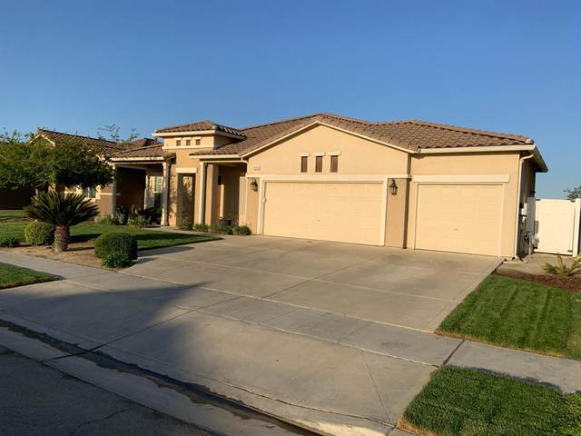 925 S Kenneth Avenue, Kerman, CA 93630 (#556883) :: Raymer Realty Group